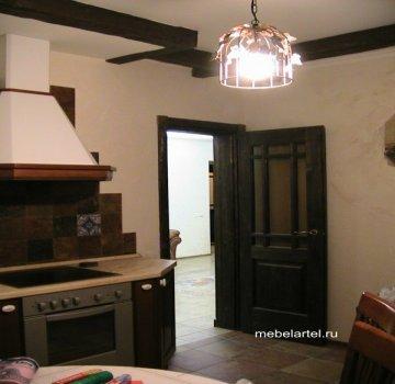 Деревянная межкомнатная дверь из массива сосны