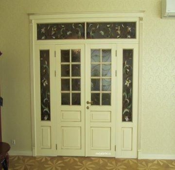Двустворчатая дверь с фрамугой