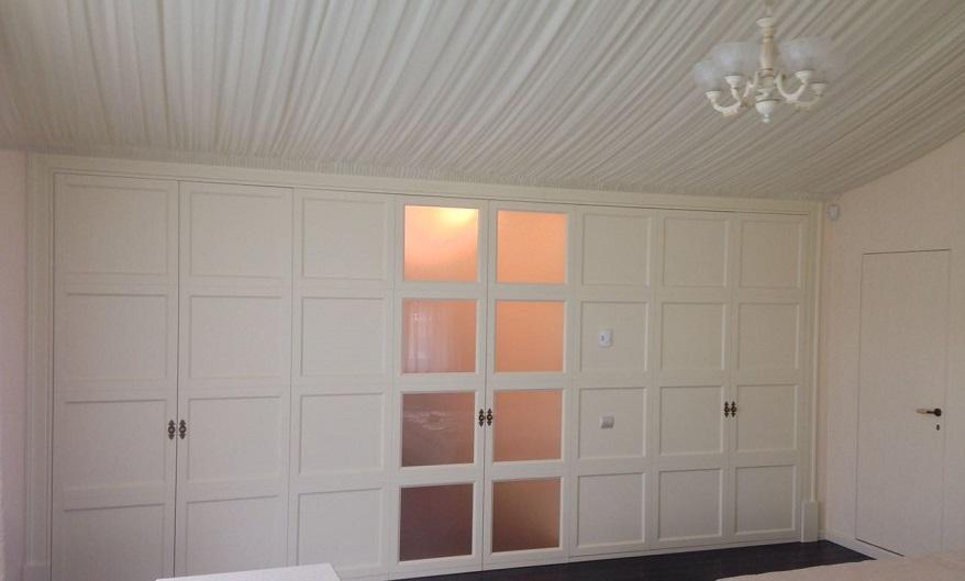 двухстворчатые деревянные двери