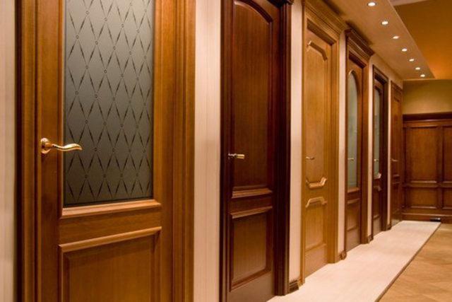 деревянные двери из массива на заказ